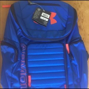 New Under Armour big back pack. Lots of pockets